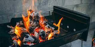 4 méthodes simples pour allumer un barbecue au charbon de bois