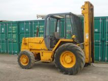 JCB 926 terrain forklift as CAT Manitou