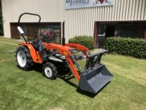 Kubota 21 CV 4 RM occasion avec CHARGEUR MULTIFONCTION
