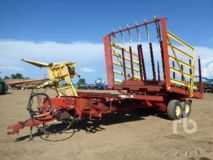 New Holland 1063 STACKLINER T/A