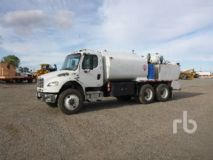 Freightliner M2106 Business Class T/A