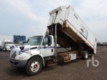 International 4300 SBA Durastar S/A Side Loader