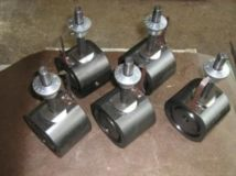 The discrete adjustable flanged fittings for oil wells