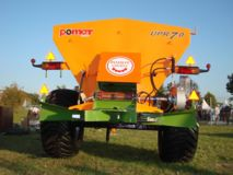 Pomot UPR 7 Tones fertilizer and lime spreader, Top-Agro