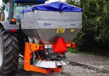 POM Augustów Düngerstreuer 600 L/Sand spreader/Rozsiewacz komunalny N 065