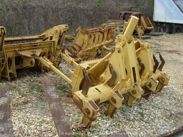 Genuine Caterpillar ripper/scarifier and pushblock