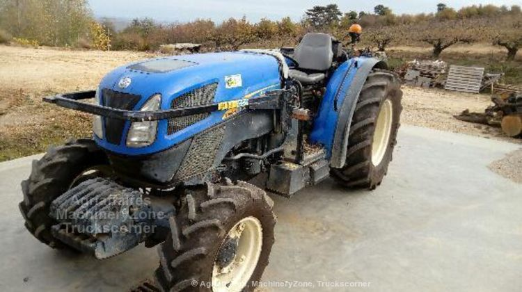 New Holland T4040N