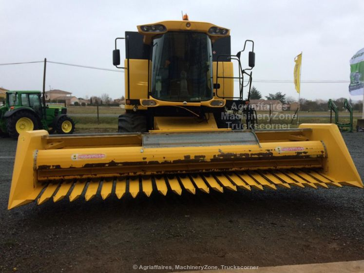 New Holland CSX 7050